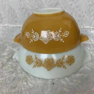 Pyrex Butterfly Gold Cinderella Bowls 1.5 Qt 2.5